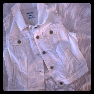 Old Navy white sleeveless denim jacket